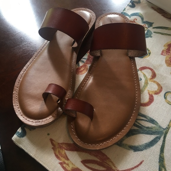 5f35b0e01 Universal Thread Shoes | Target Sandals Womens Size 8 | Poshmark